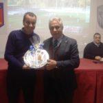 Il Presidente Raciti omaggia il componente CAN-D Ciampi