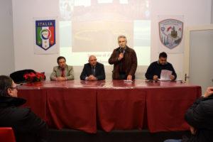 Raciti introduce l'ospite Ignazzitto